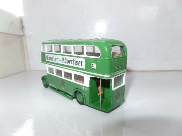 EFE 10113 10113A AEC Ex London  RT Bus Dundee Rare White Blind Model UB